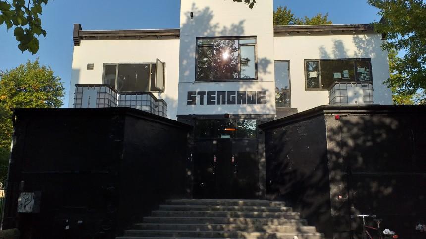 Spillestedet Stengade udskyder genåbning