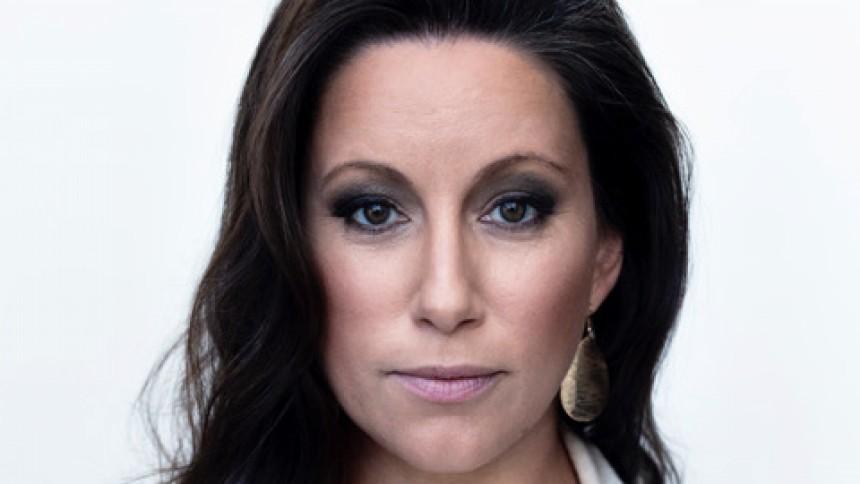 Lisa Nilsson annoncerer dansk koncert