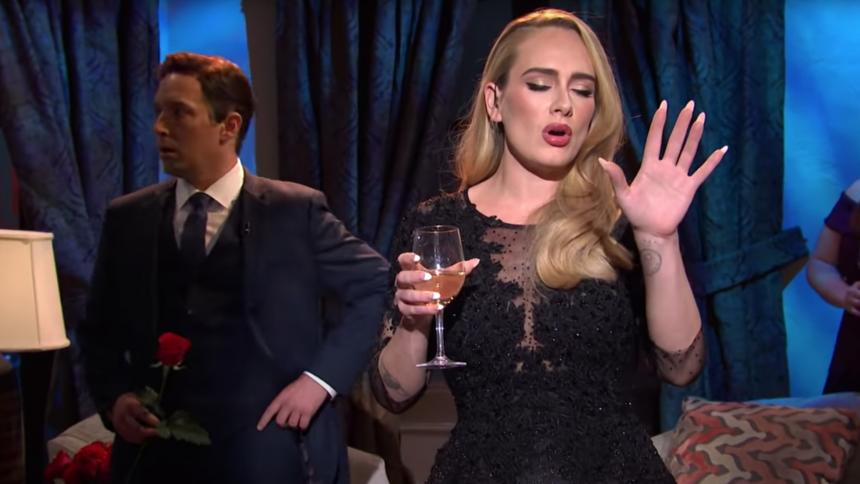 Se Adele bryde ud i sang i parodi på dating-show
