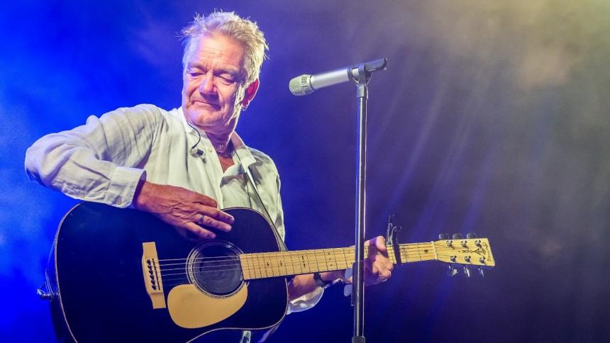 Lars Lilholt giver solokoncert i København
