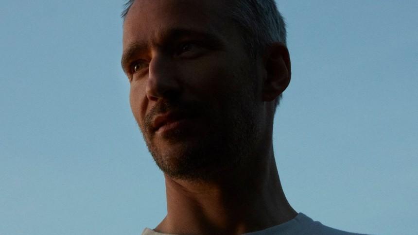 Rasmus Walter annoncerer nyt album og er aktuel med single – i jubilæumsår