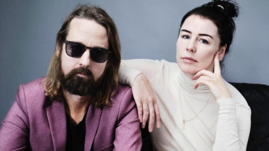 LYT: Anders Riis og Lise Westzynthius udgiver ballade inspireret af Bowie, Cohen og Reed
