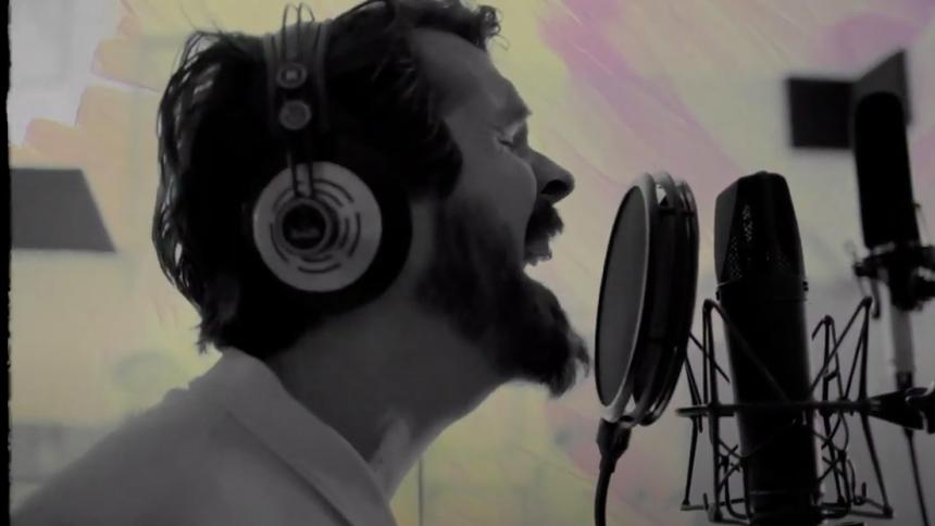 Koncertaktuelle Thomas Dybdahl udgiver ny single og musikvideo
