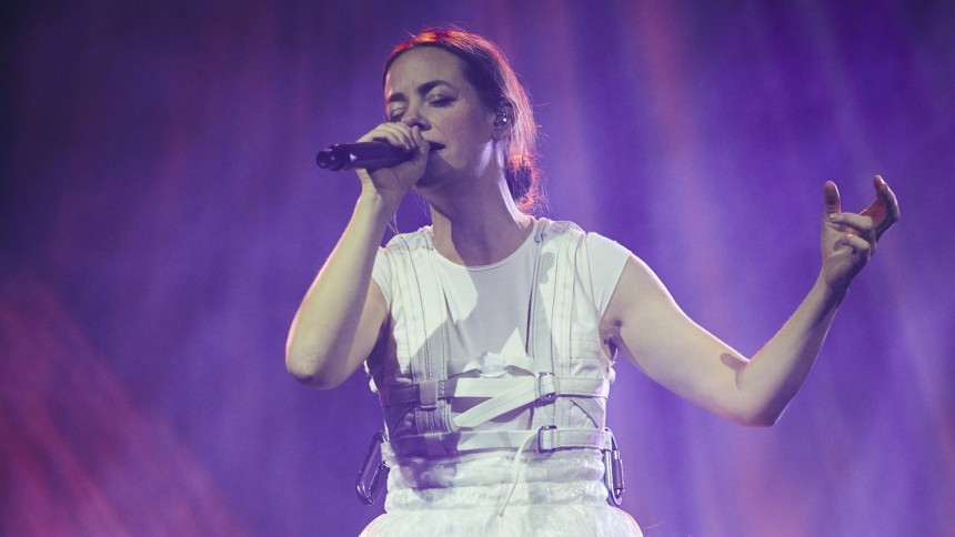 Kh Marie drager på sin første turné