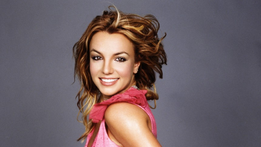 Britney Spears' nye advokat anmoder officielt om, at hendes far fjernes som værge