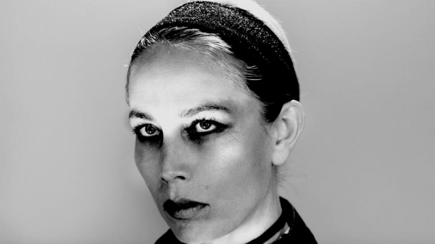 Jenny Wilson giver tre danske koncerter –med nyt album i ryggen