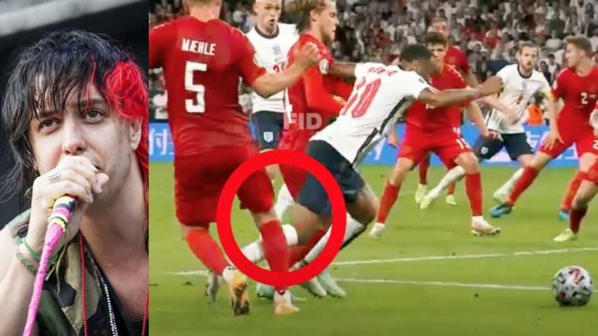 """Julian Casablancas: """"Fodbold er en skuespilkonkurrence, og der var ikke straffe"""""""