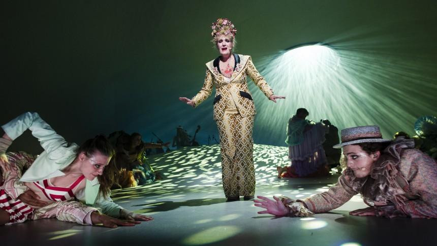 Anne Linnet-teaterkoncert underholder med de helt store følelser